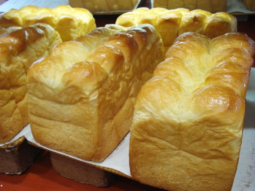 焼きたてのパン ホルン_1